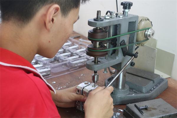 压铸件加工—华银